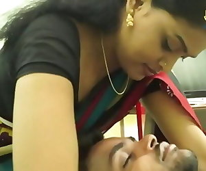 porn INDIAN HOUSEWIFE ROMANCE WITH SOFTWARE.., chubby , mom